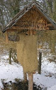 Insektenhotel aus Lehm