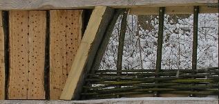 Weidengeflecht in einem Insektenhotel